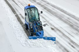 MultiOne-mini-loader-2-series-with-snow-blade-01-1030x688